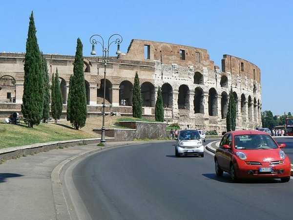 Взять машину напрокат в Италии