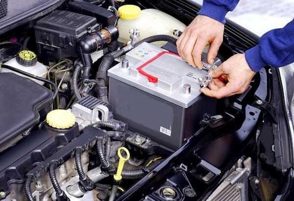 Ускоренная зарядка АКБ при постоянном использовании сокращает срок его службы