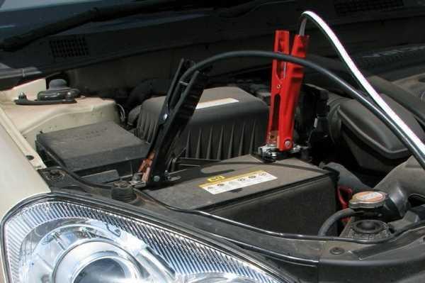 При использовании стабилизатора напряжения можно одновременно заряжать до 4 АКБ