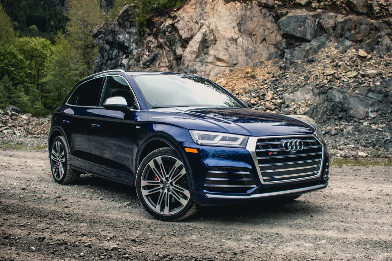 Во внешнем виде Audi SQ5 чувствуется сила и мощь