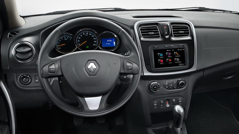 Приборная панель и мультимедийная система Renault SANDERO Stepway