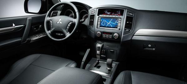 Mitsubishi Pajero IV салон фото