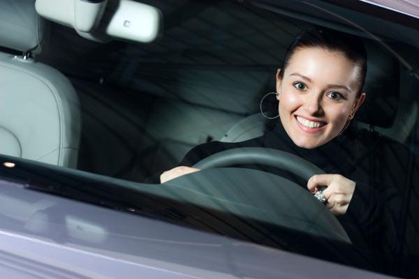 Женщин за рулем становится все больше!