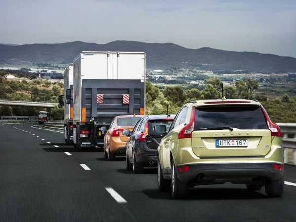 Взять машину напрокат (в Испании не принято нарушать правила)