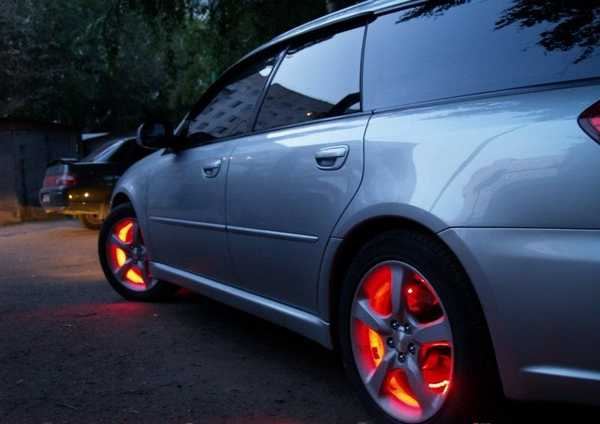 Светодиодная подсветка колес автомобиля