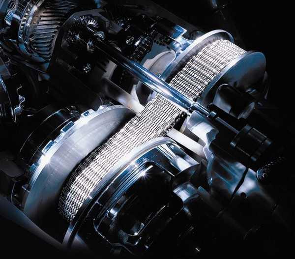 Цепь вариатора состоит из ряда прочных металлических пластин или является многозвенной цепью