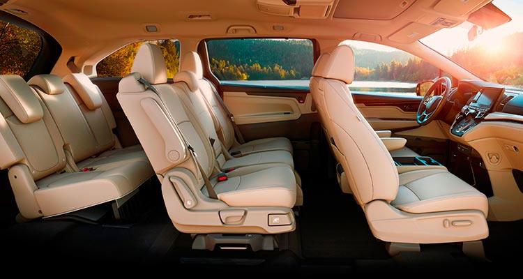 Салон Honda Odyssey 2018